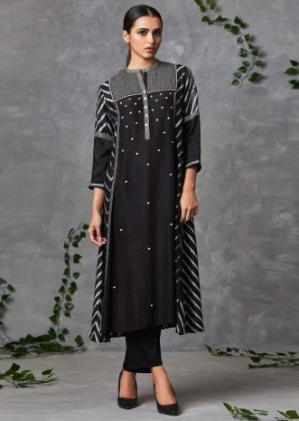 Black raw silk suit set  in print and butti