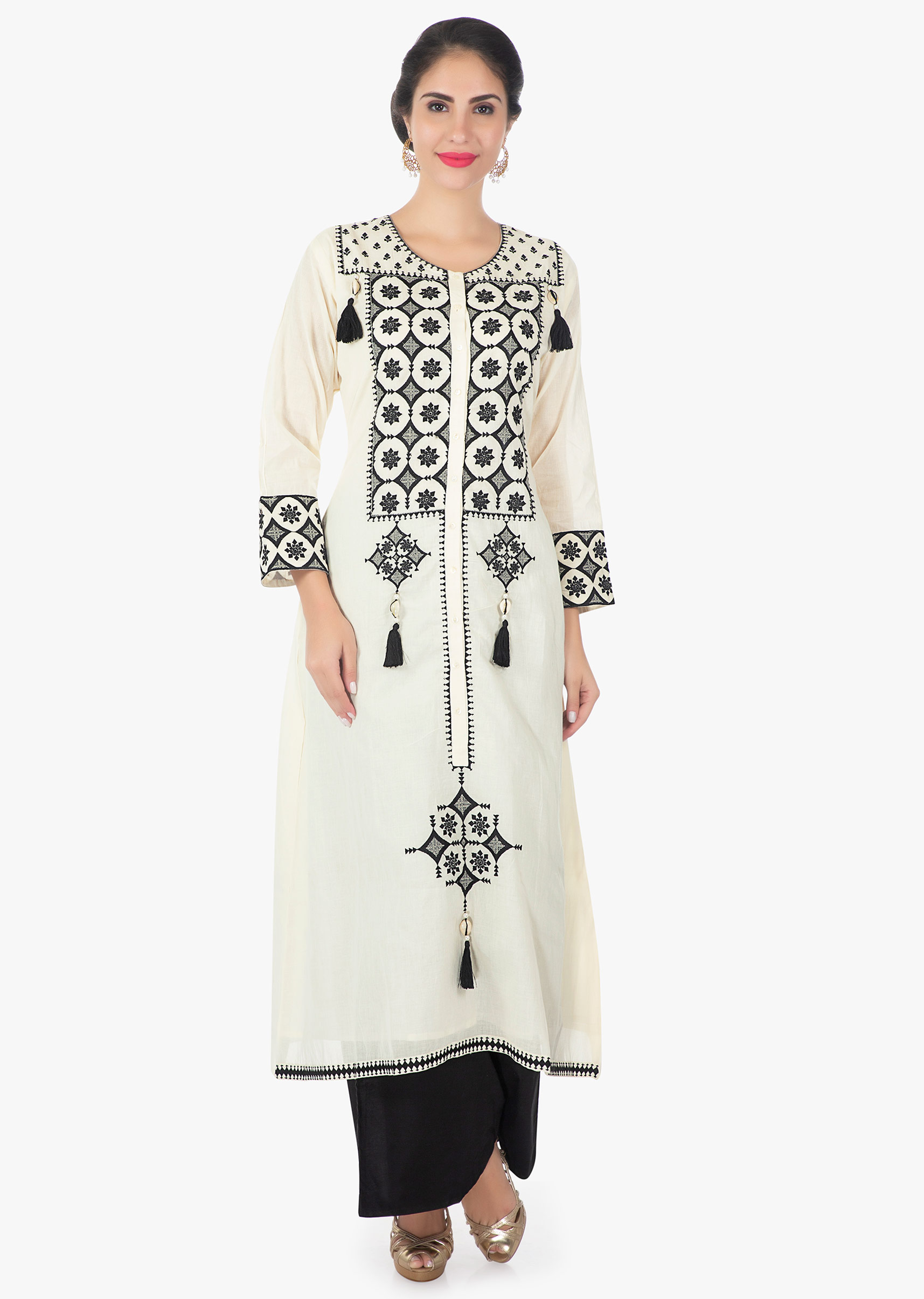34d3ffb645 Off white cotton kurti in black resham work only on KalkiMore Detail