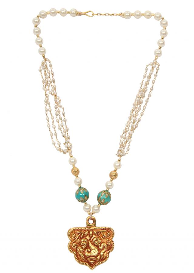 Anitque gold locket with traditional ganthan and white beads only on Kalki