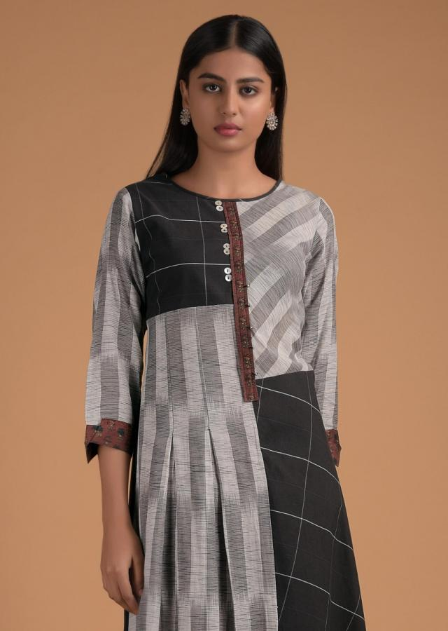 Black And Grey Kurta Set In Cotton With Striped And Checks Pattern Online - Kalki Fashion