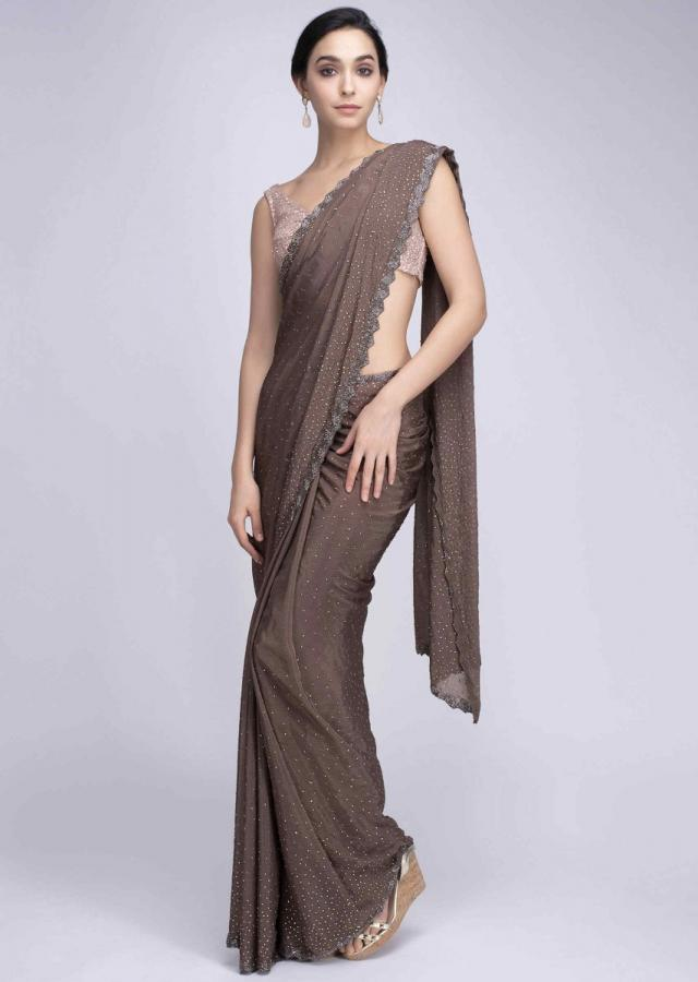 Brown Saree In Crepe With Cut Dana Scallop Embroidered Border Online - Kalki Fashion