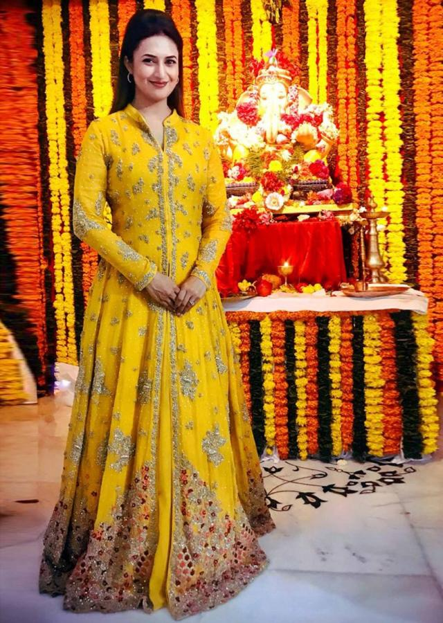 Divyanka Tripathi in Kalki yellow chiffon anarkali with heavy embroidery and butti