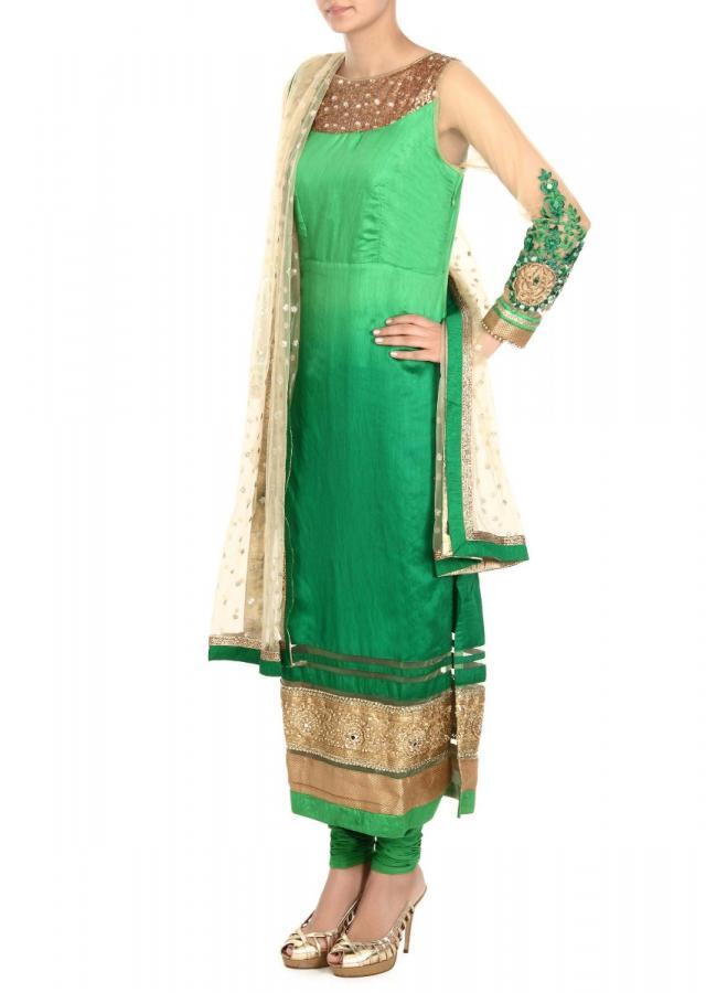 ‌Green Suit With Ombre Effect And Mirror And Sequins Embroidery Online - Kalki Fashion
