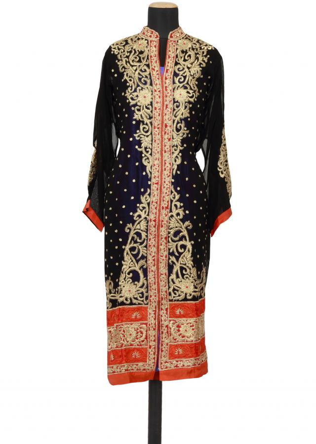 Featuring a black georgette straight cut semi stitched salwar kameez embellished in zari and resham work only on Kalki