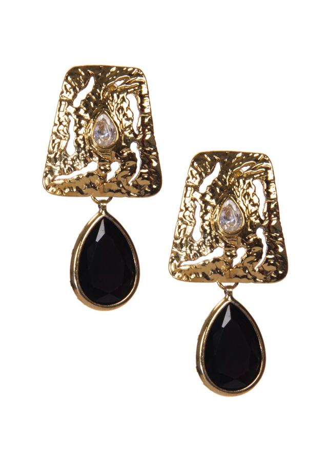 Golden earrings Embellished With Kundan And Black Gemstone only on Kalki