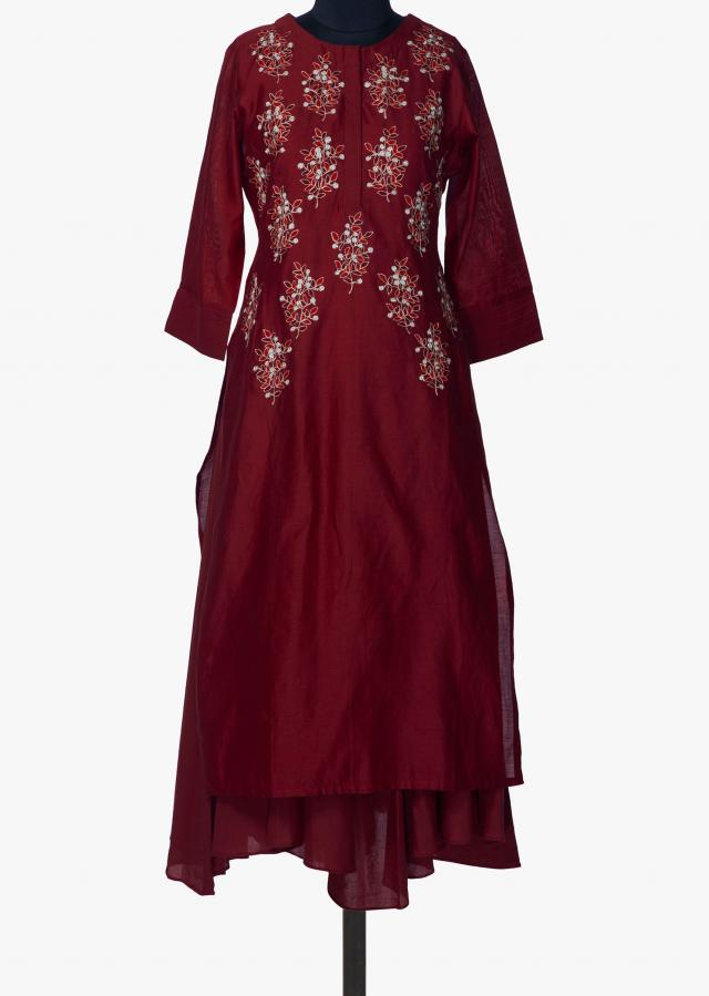 Maroon kurti adorn in resham and aari butt embroidery only on Kalki