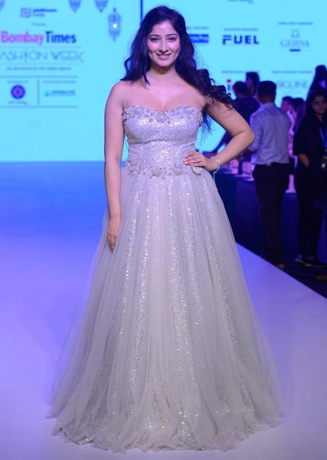 Niharica Raizada in Kalki grey 3d floral embroidered gown only on Kalki
