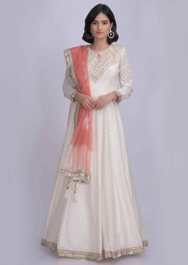 Off White Anarkali Suit In Jacquard Cotton With Peach Organza Dupatta Online - Kalki Fashion