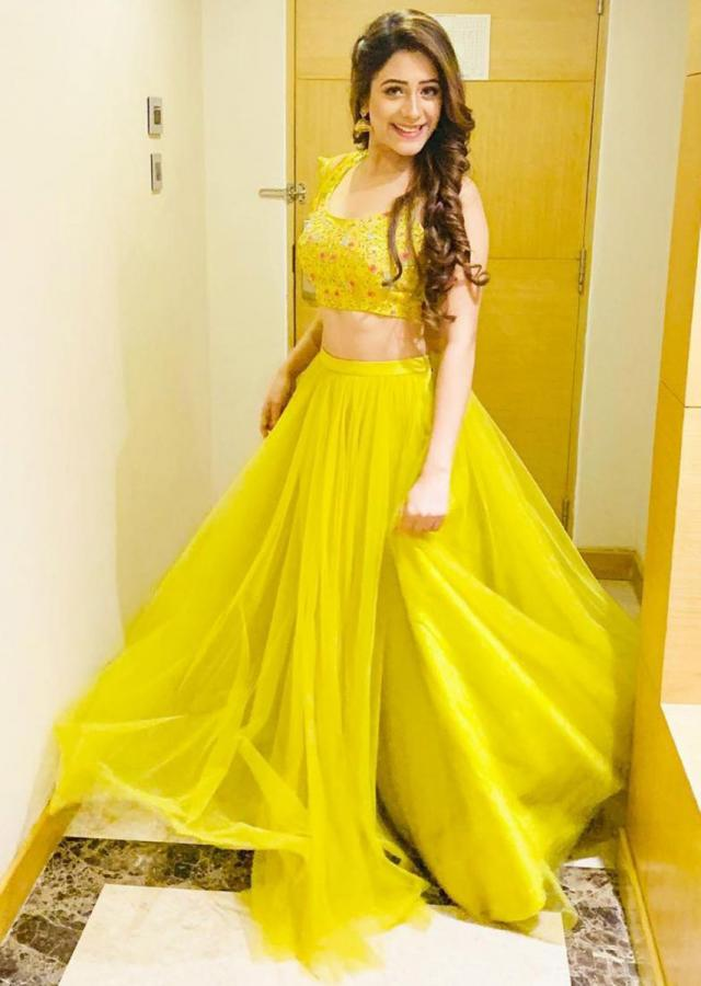 Hiba Nawab in Kalki pine yellow net lehenga choli