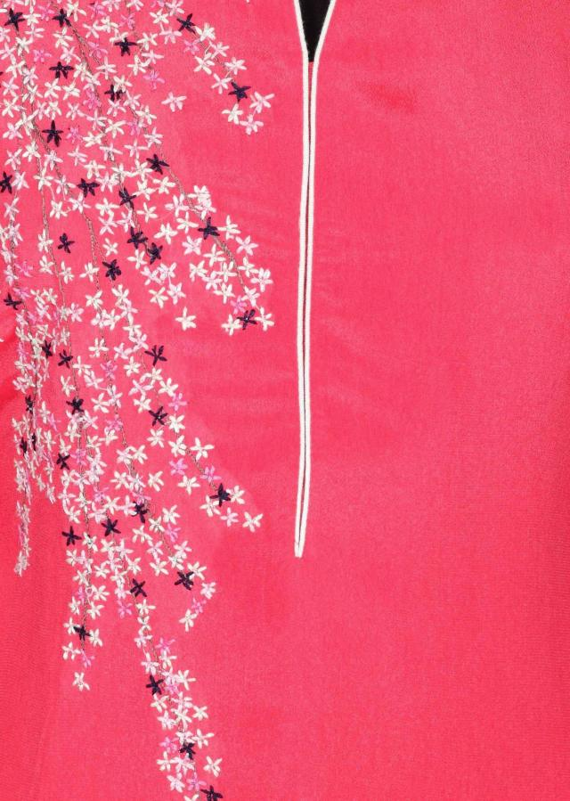 Pink kurti adorn in thread embroidery only on Kalki
