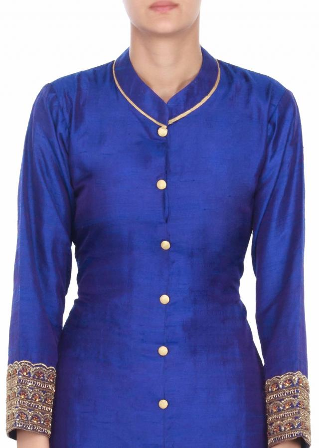 royal blue suit matched with gold pants only on kalki