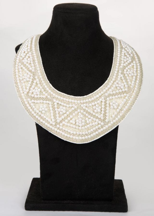 White fabric based collar necklace with adjustable rope tie up
