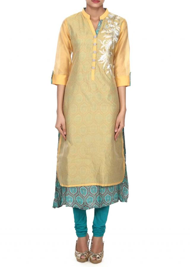 Yellow kurti adorn in zari and gotta lace butti only on Kalki